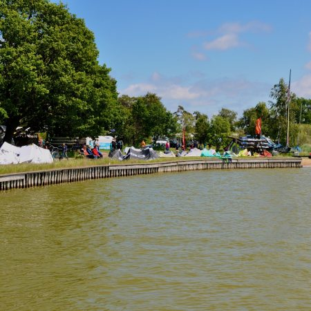 Wassersporteinstieg am Campingplatz in Born