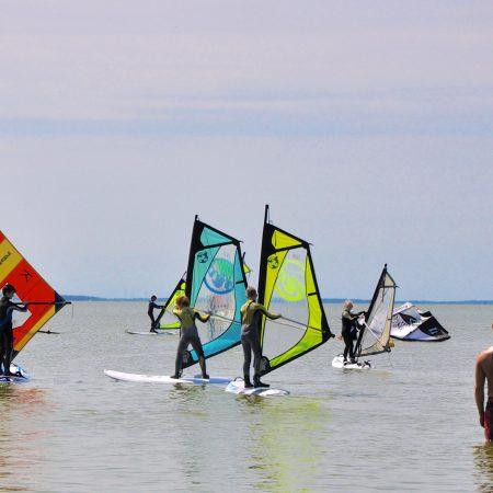 Windsurfkurse für Kinder und Erwachsene