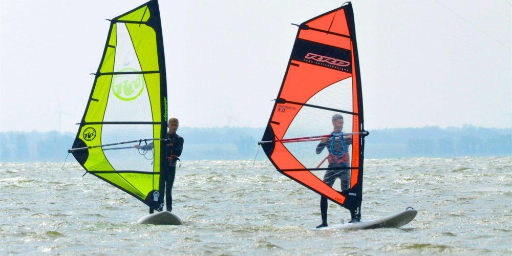 Windsurfkurs bei Kitesurf & Kanu Born